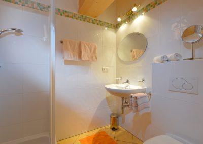 Ferienwohnungen-Bichler-Roswitha-Scheffau-Bruggenmoos-33-Appartement-2-Badezimmer
